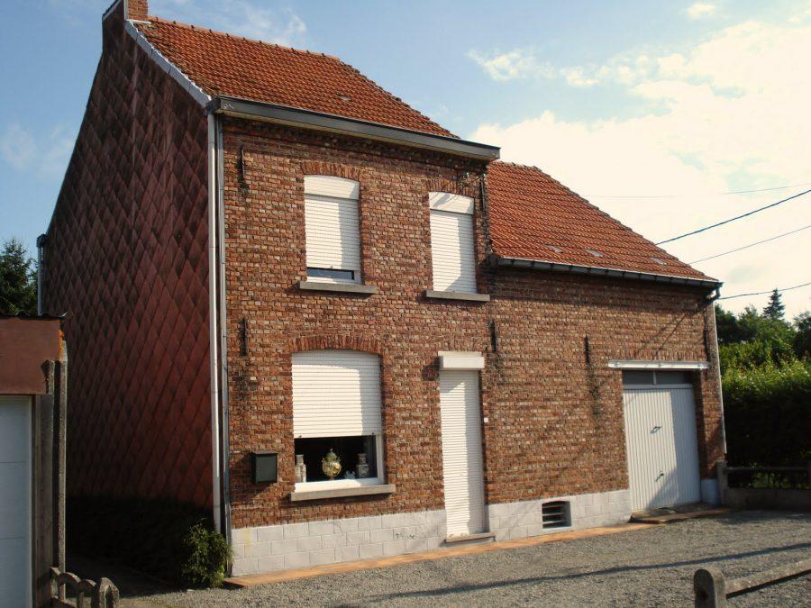 Casă belgiană cu fațadă de cărămidă