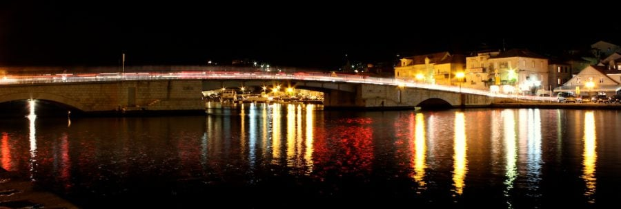 Faleza din Trogir noaptea