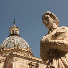 Statuie în Piazza Pretoria, Palermo, Sicilia, Italia