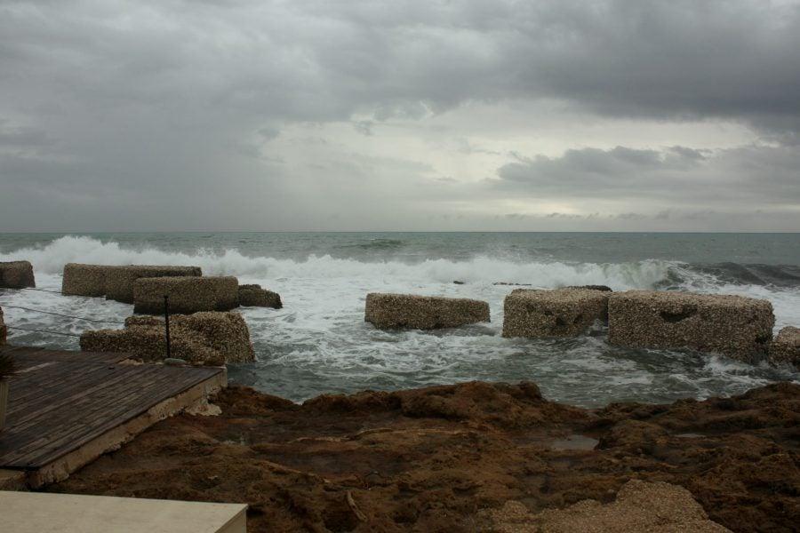 Valuri în Marzamemi, Sicilia