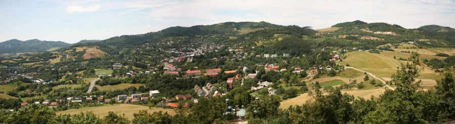 Panorama peste Banska Stiavnica de sus de la Calvary