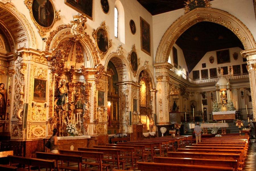 Biserica Santa Ana, Granada - interior frumos decorat de biserica