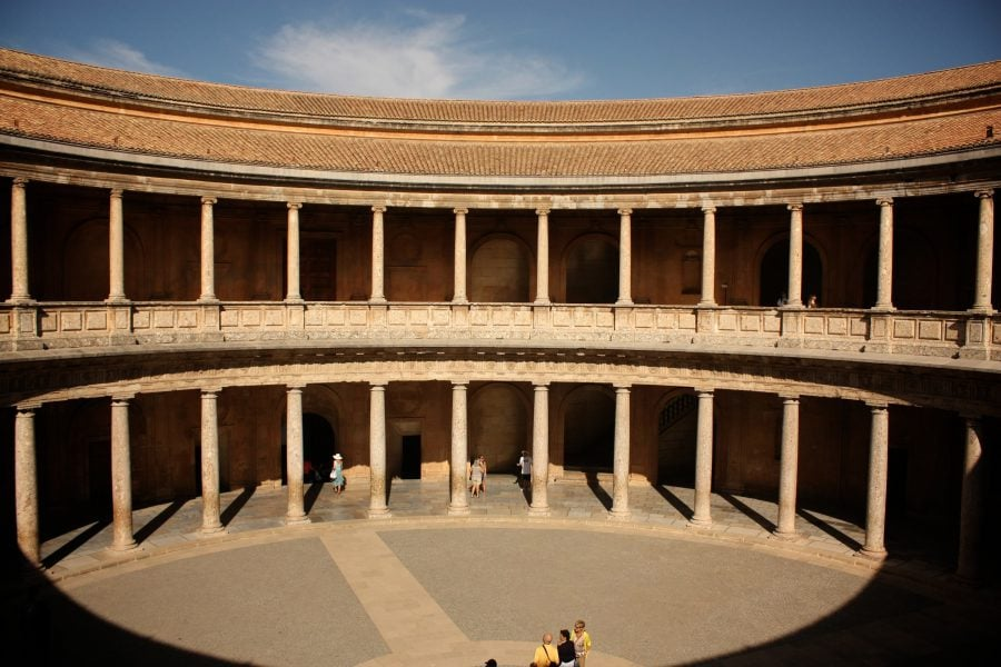 Interiorul palatului lui Carlos (sau Charles) V, Alhambra, Granada, Spania