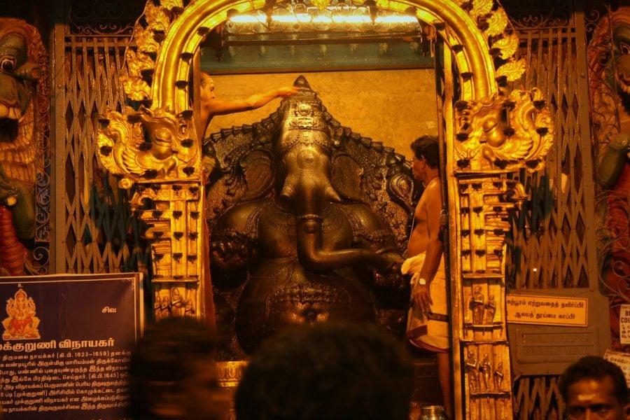 Ganesh dezbrăcat, templul Sri Minakshi, Madurai, Tamil Nadu, India