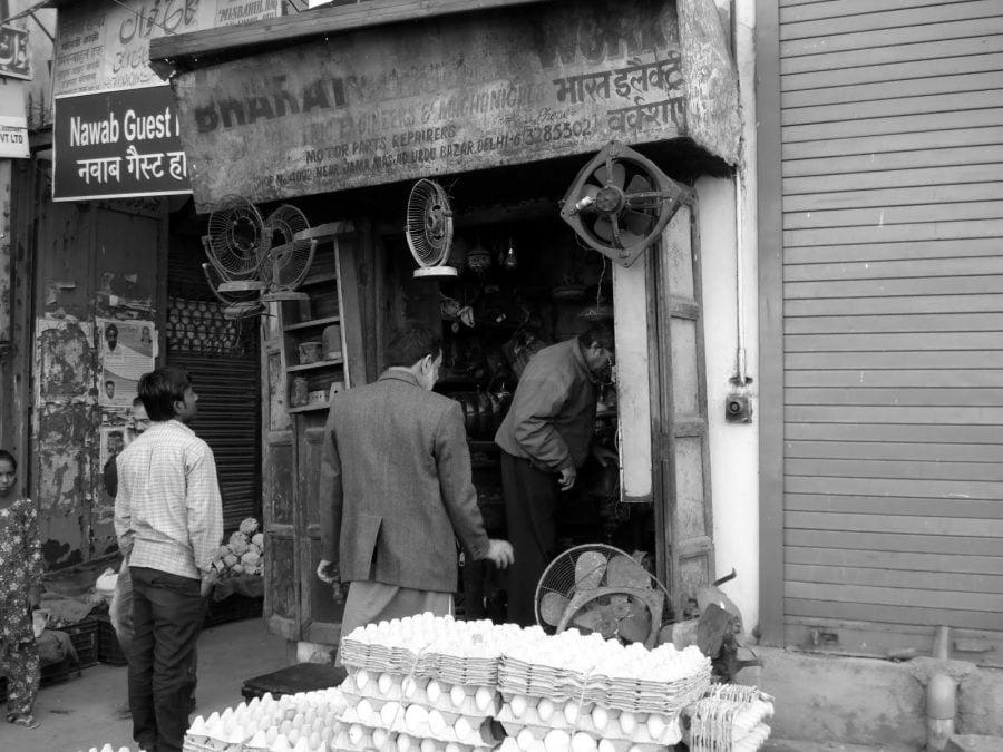 Magazin electrice în New Delhi, India