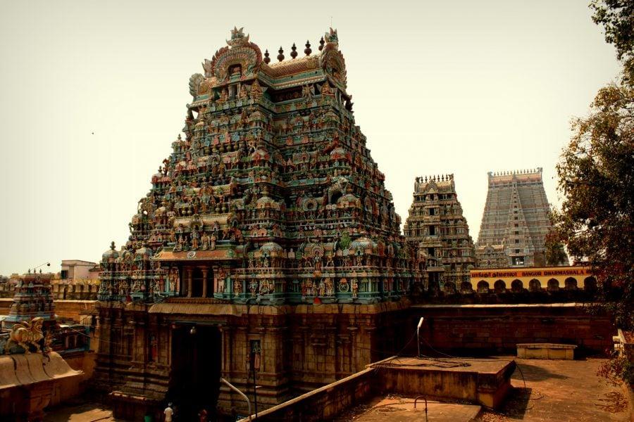 Porțile pictate ale templul dravidian Ranganathaswamy, Trichy, Tamil Nadu, India