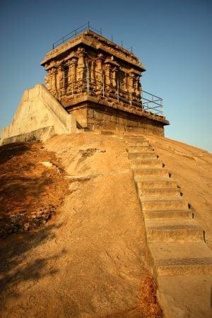 Templ sculptat în piatră, Mamallapuram, Tamil Nadu, India