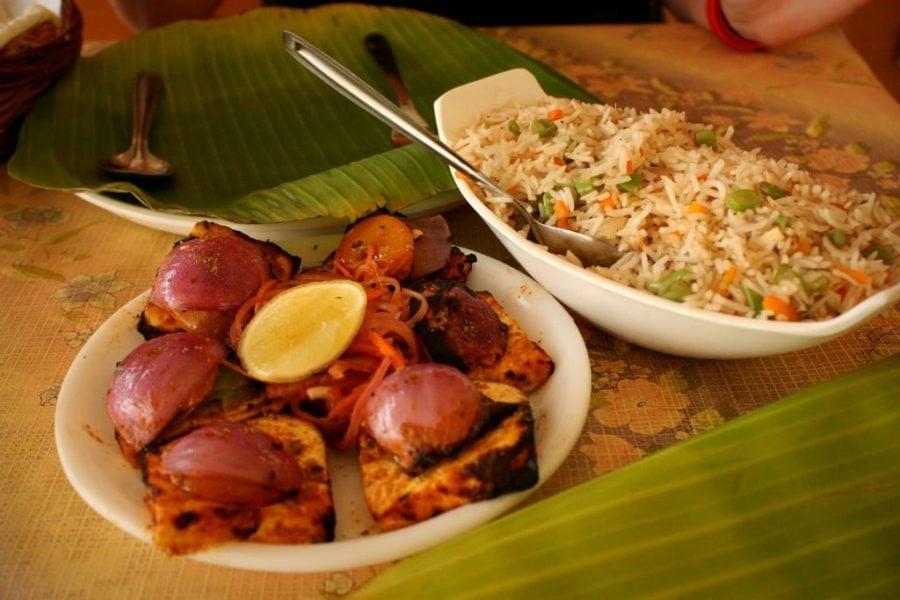 Paneer Tikka cu Vegetable Fried Rice