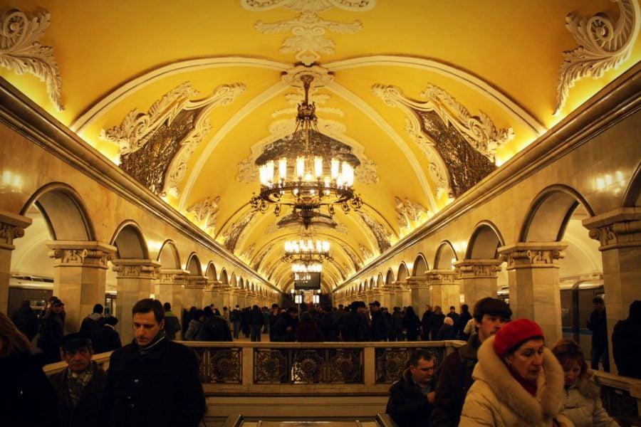 Aglomerație mare la metrou, stația Komsomolskaya, Moscova