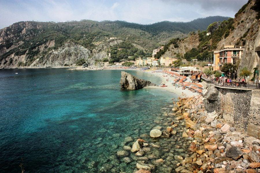 Plaja privata din Monterosso al Mare, Cinque Terre, Italia