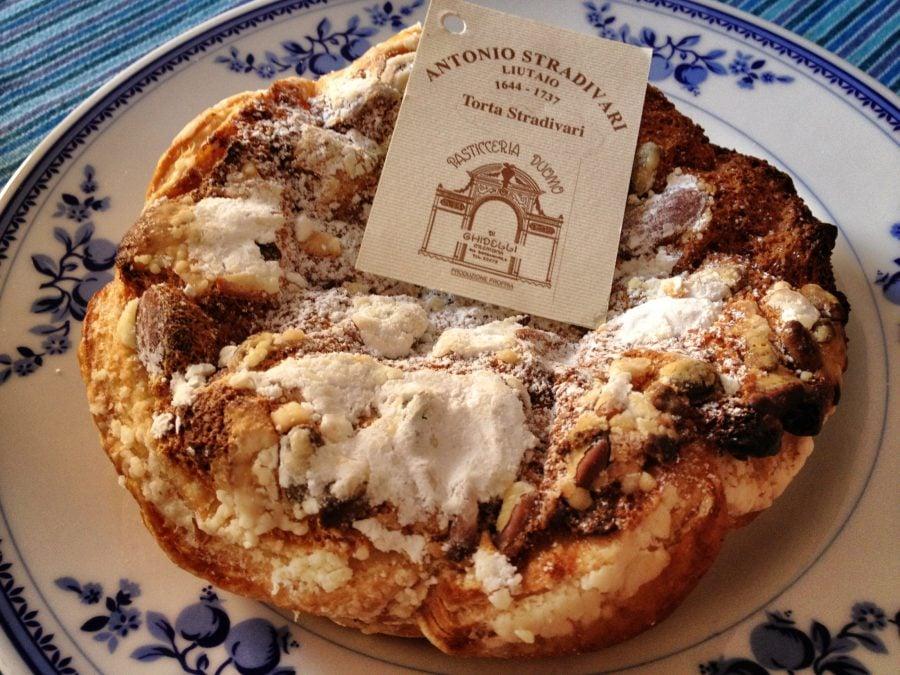 Prăjitură Antonio Stadivari din Cremona