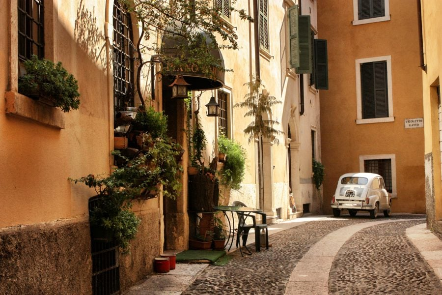 Strada in Verona, Italia
