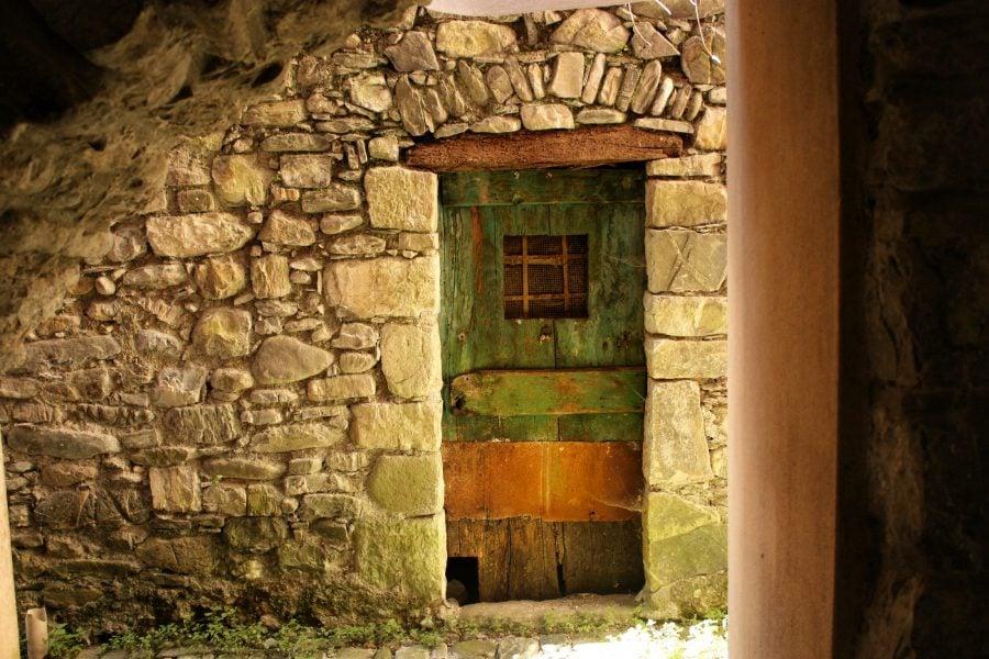 Casă veche în Verse Ligure, Italia