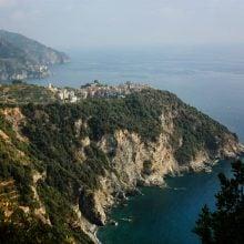 Vedere peste Corniglia, Cinque Terre, Italia