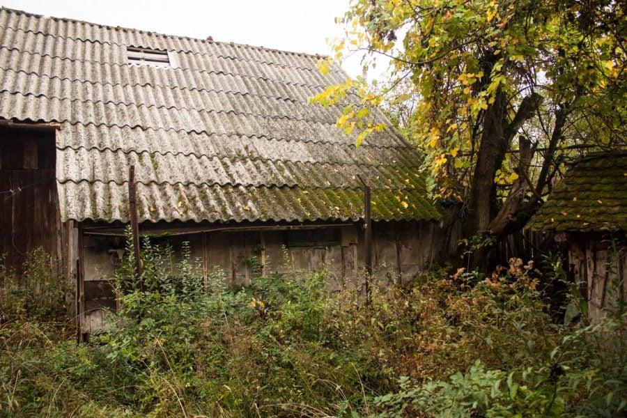 Hambar cu acoperiș ondulat