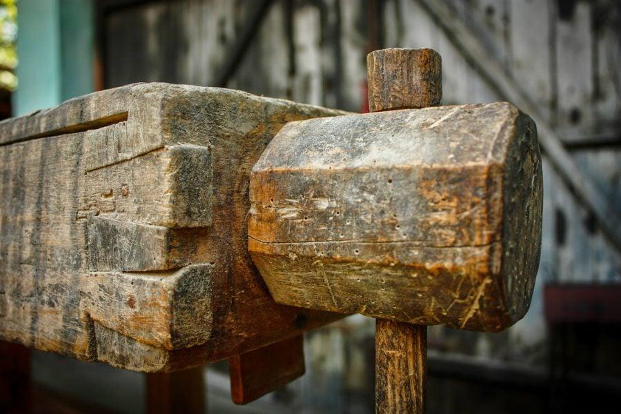 Menghina de lemn banc tamplar