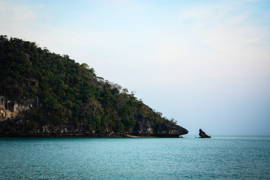 Insulă din arhipelagul Langkawi - vedere din barcă