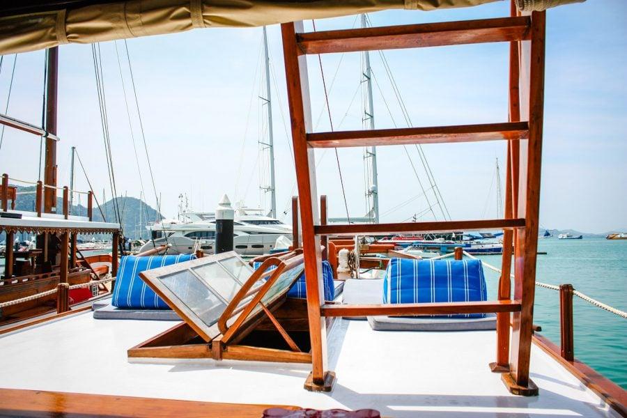 Pe barcă, relaxare intr-o insulă tropicală