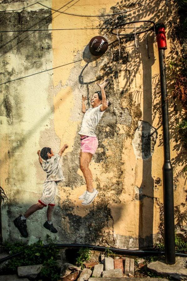 Penang Street Art - Copii joacă basket