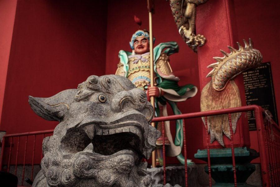 Statuie cap dragon templu chinezesc, Kuala Lumpur