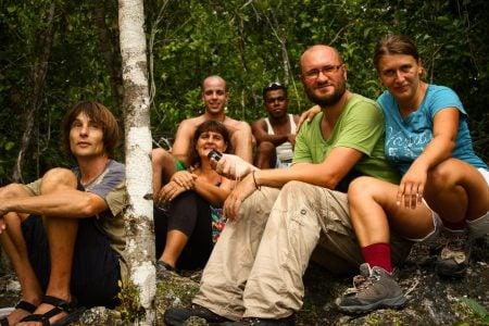 Turiști în junglă, Papua