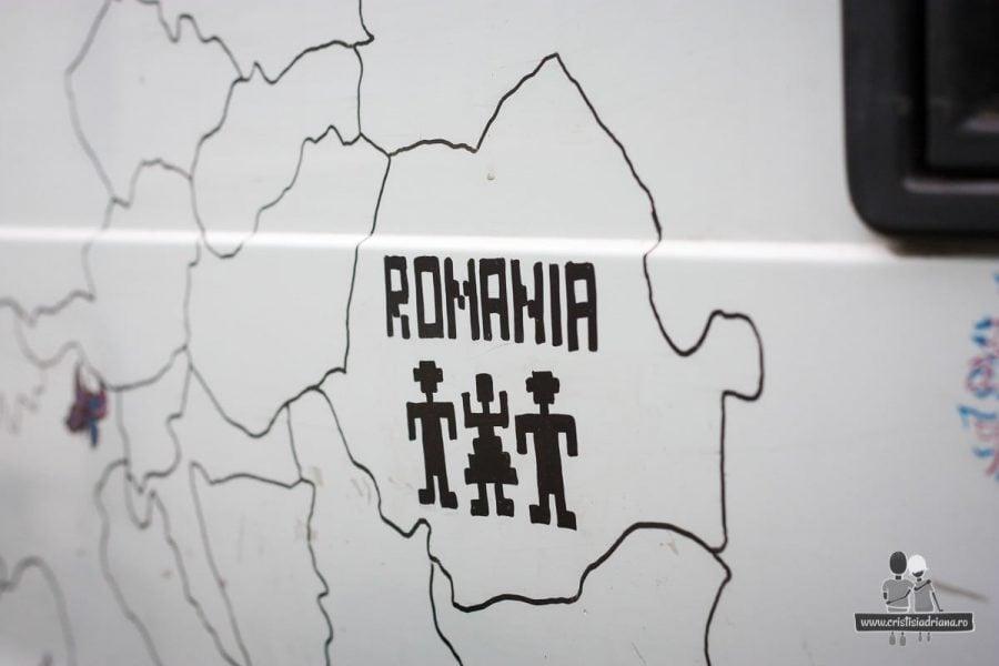 Model traditional romanesc