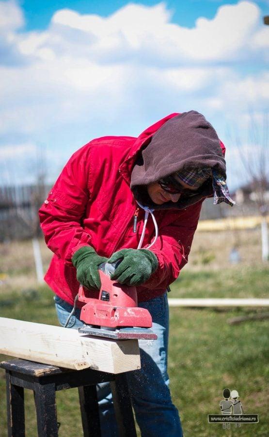 Șlefuire lemn cu șlefuitor electric