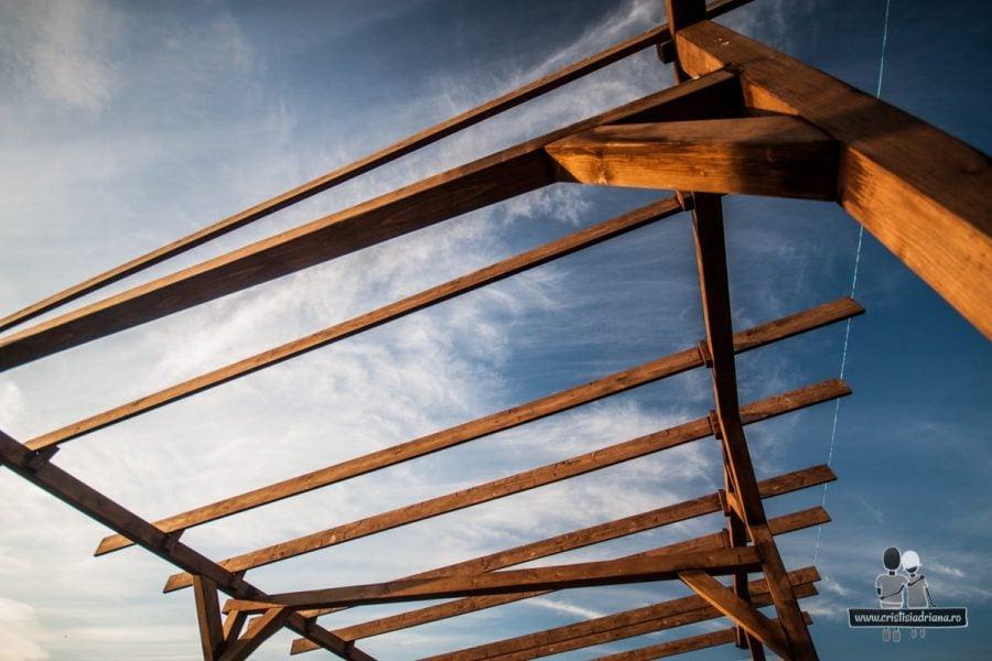Structură acoperiș foișor de lemn