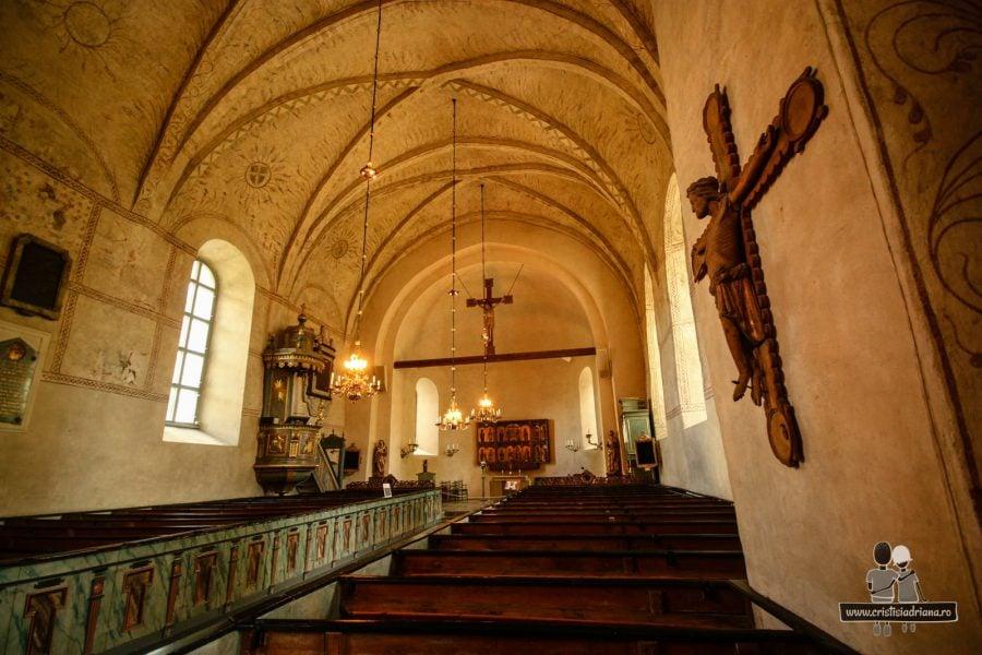 Catedrală de prin secolul 12, refăcută de câteva ori