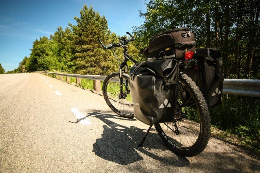 Bicicleta Adrianei, Cube Attention verde cu negru