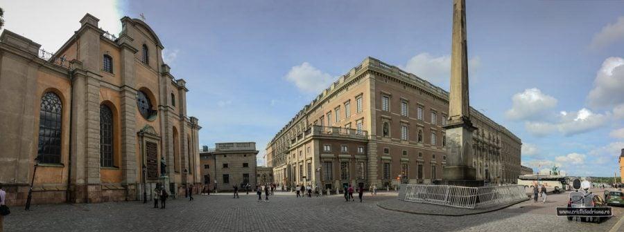 Palatul Regal, obeliscul și biserica mare din Stockholm
