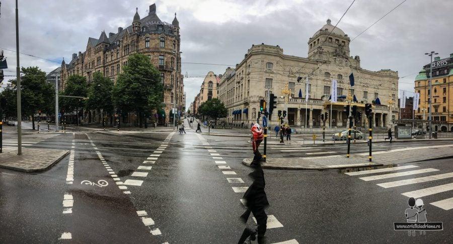 Pe ploaie, cu bicicletele, vizităm Stockholm