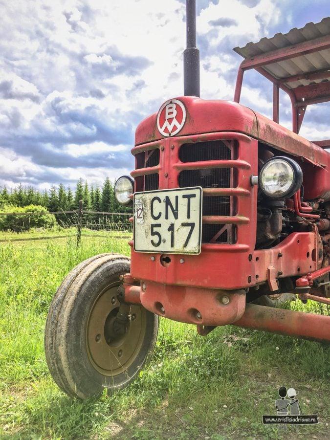 Tractor suedez