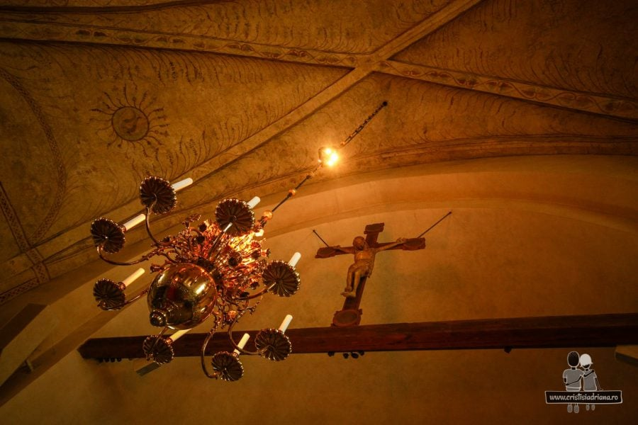 Uppsala - Tavan, candelabru și crucifix secolul 15