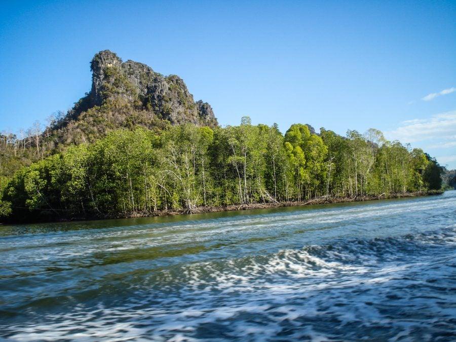 Cu barca pe râul Kilim, Langkawi