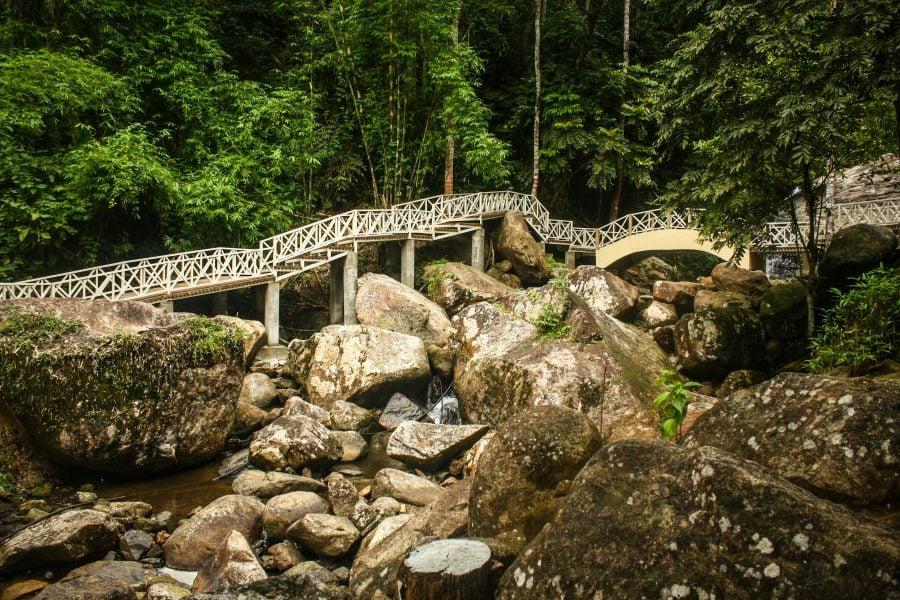 Poduri la cascada Durian Perangin, Langkawi