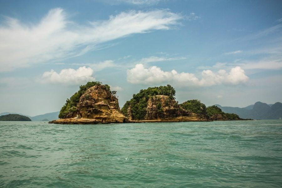 Vedere din barcă island hopping Langkawi
