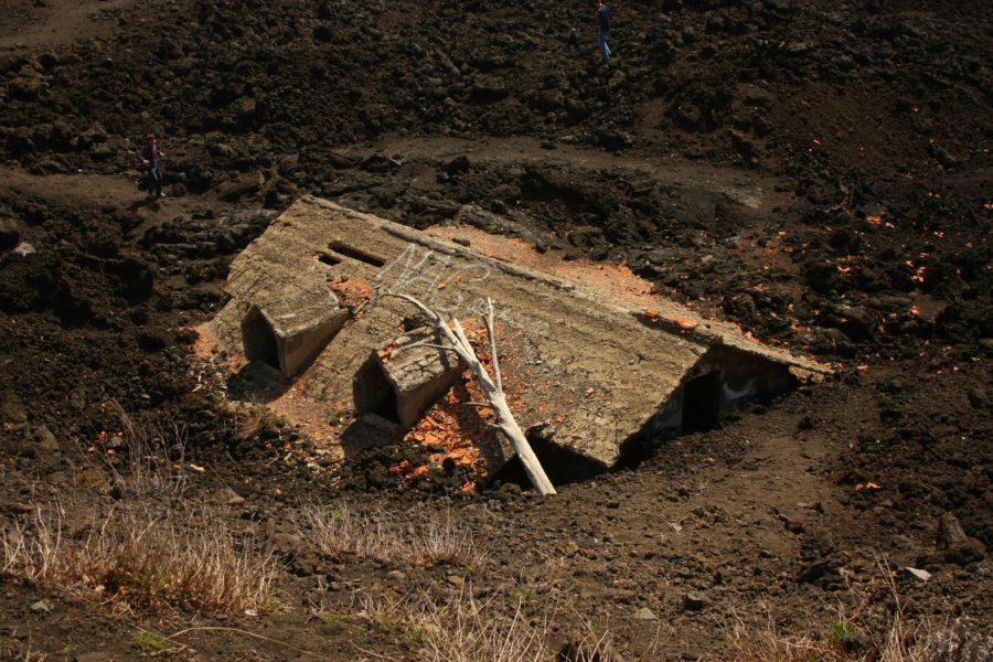 Casă îngropată în lavă, Etna, Sicilia