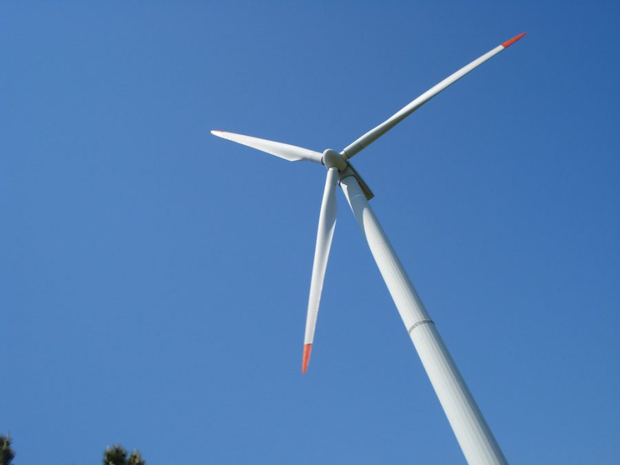 Turbină eoliana în drum spre Kaliakra