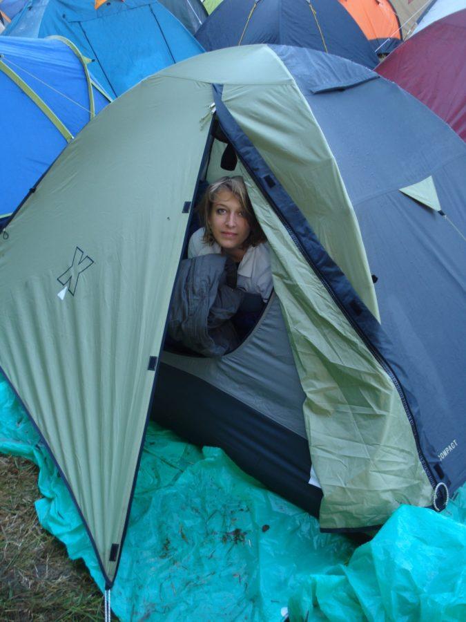 Cu cortul la festival rock
