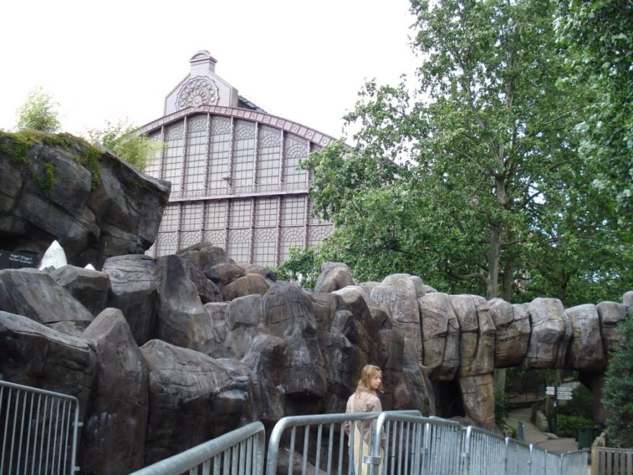 Gara vazută din grădina zoologică, Antwerp