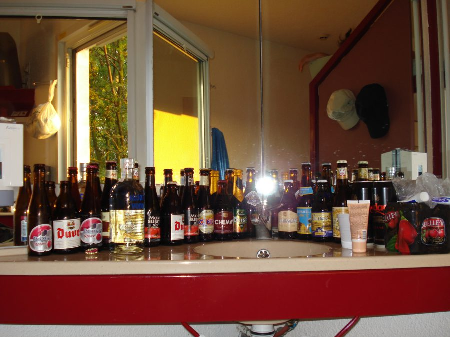 Bere belgiană de diferite forme, culori și gusturi