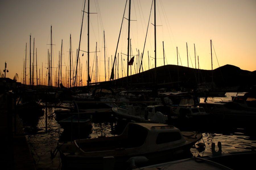Ambarcațiuni în portul din Trogir, Croația