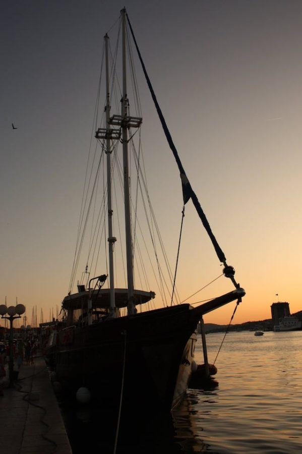 Portul din Trogir noaptea
