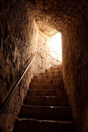 Tunel castel fortificat de pe faleza din Trogir