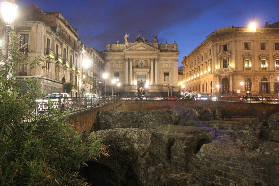 Ruinele amfiteatrului roman din Catania