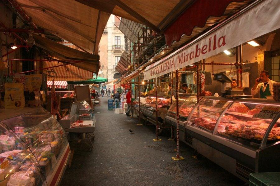 Vitrine cu carne în Catania