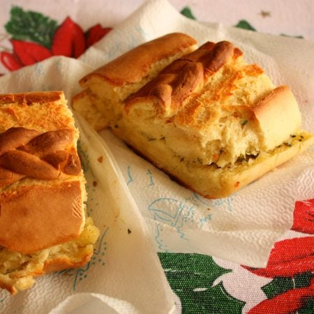 Bread with olive oil and oregano (Pachino)