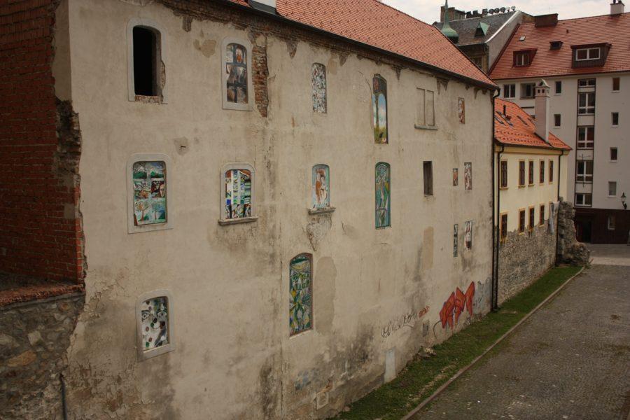 Graffiti pe pereții clădirilor în Bratislava