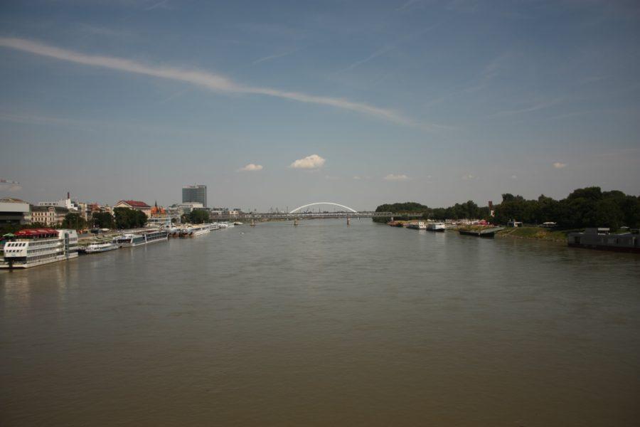 Dunărea văzută de pe podul nou, Bratislava